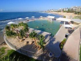 Kings Beach - Beachfront Salt Water Pool - Melbourne Tourism